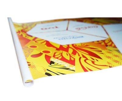 Бумажные флажки с прорезью